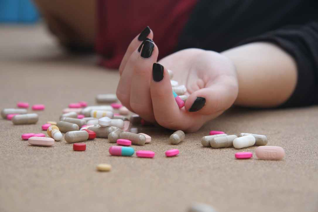 Living a healthy lifestyle is not by capsules